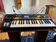 6- Stimmiger Analog Synthesizer Behringer