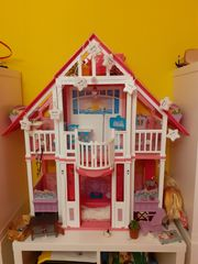 Großes Barbie Puppenhaus