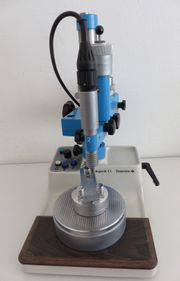 Degussa F1 mit Modeltisch Laborgerät