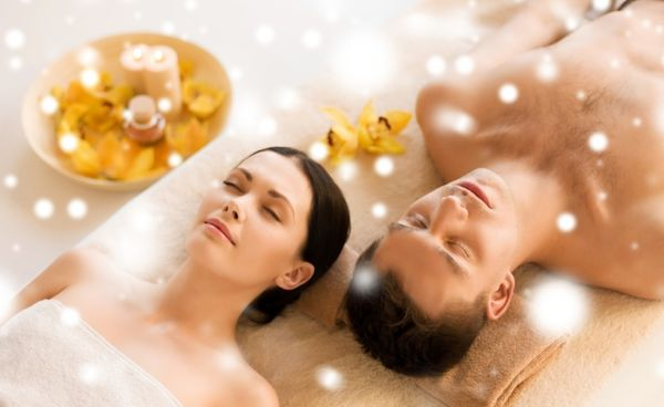 Massage-Aromaöl-Klang-Entspannung