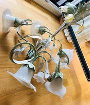 Deckenlampe im eleganten Landhausstil