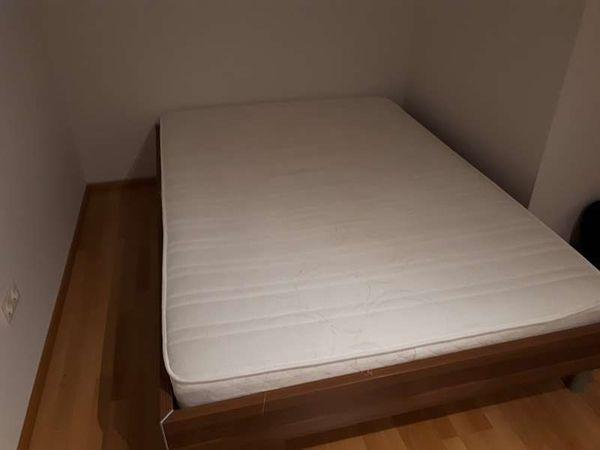Bett inkl Lattenrost um EUR
