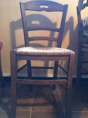 5 chaises paillées très bon