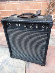 DDR Gitarren Verstärker 12-G1