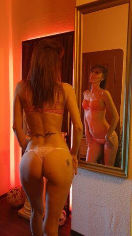 Sie sucht Ihn (Erotik) - Claudia 100 Deutsch