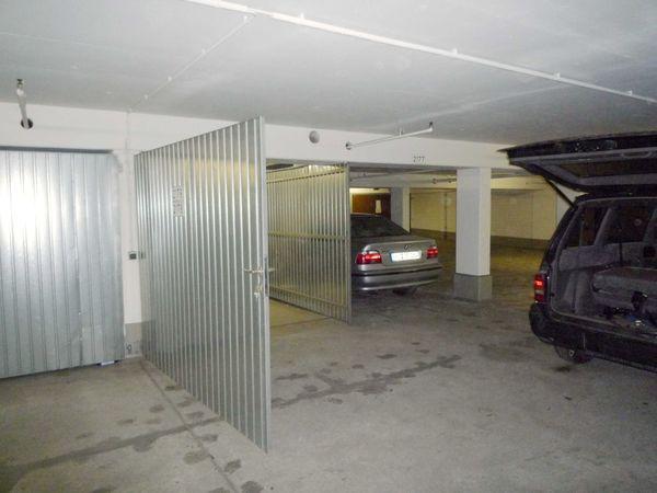 Abgeschlossene Doppelgarage in Tiefgarage Balanstr