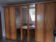 Großes Schlafzimmer Bett Kommoden Schrank