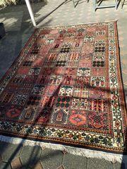 Schöner indischer Teppich sehr guter