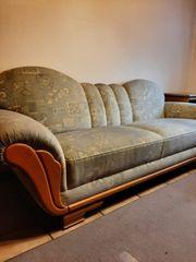 nützliche Couchgarnitur
