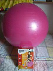 Gymnastik Ball und Allroundmatte