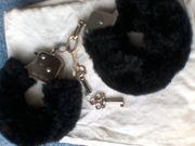 Handschellen - Plüsch - schwarz - Markenlos - Plüsch