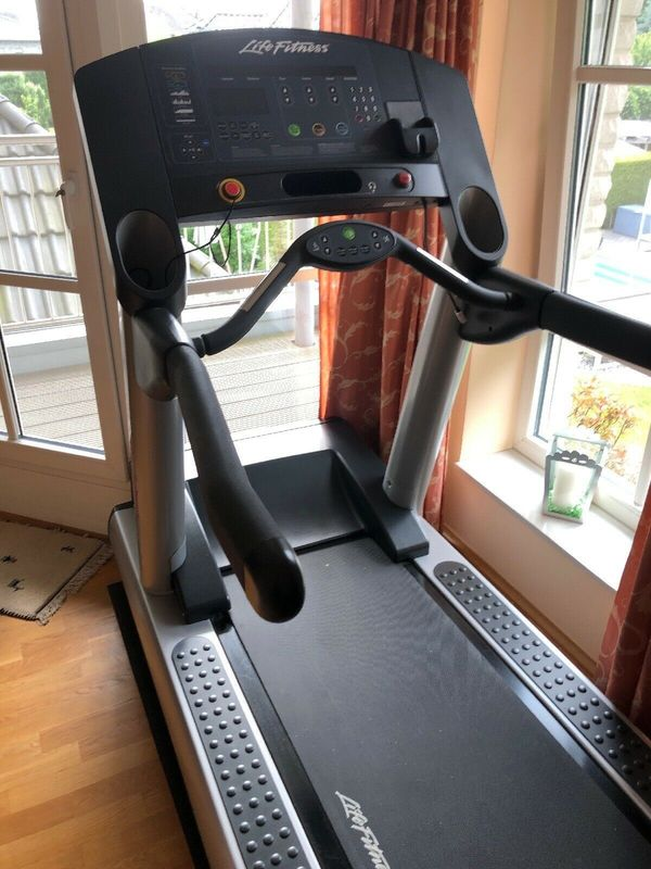 Life Fitness Club Series Laufband