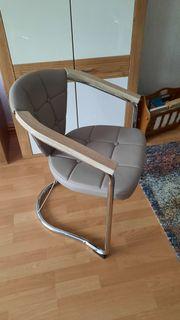 Verschenke 4 Stühle
