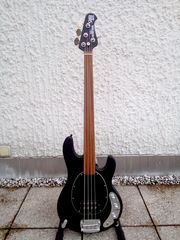MUSIC MAN SUB STINGRAY FRETLESS