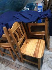 Tisch Kiefer mir acht Stühlen