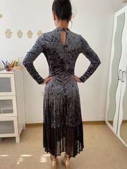 grau Barock Kleid