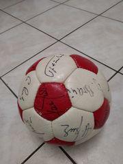 VFB- Fußball mit Unterschriften