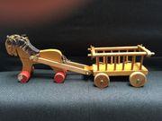 Holzpferd mit Wagen Holzspielzeug