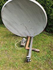 Satellitenschüssel mit DiSEqC- Motor