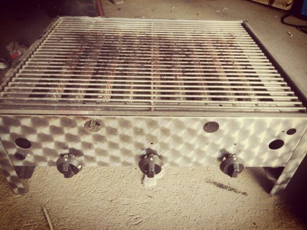 3flammiger Gas Grill