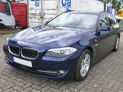 BMW 530d xDrive Touring tiefseeblau