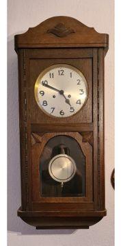 alte Wand- Pendel Uhr