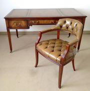 Englischer Schreibtisch mit passendem Sessel
