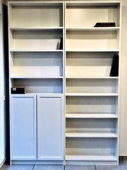 2 Ikea-Bücher-Regale mit Aufsatz weiß