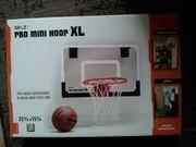Indoor Basketballkorb mit zusätzlichem Ball