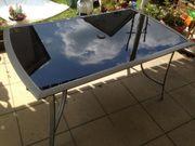 Gartentisch mit Rauchglasplatte