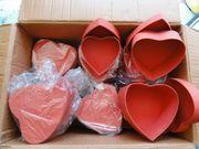 45 Schachteln in Herzform-handgearbeitet-je 3