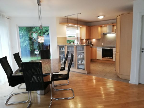 U-Küche mit Bar. Gebraucht inclusive Gaggenau Designer Elektrogeräte ...