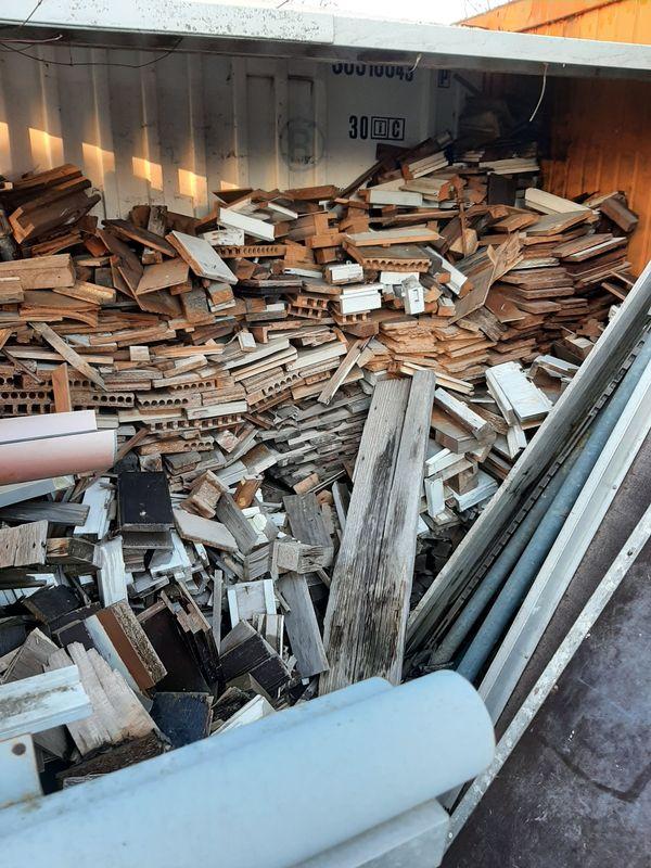 Holzabfälle Brennholz