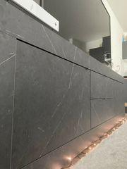 Fernsehtisch Lowboard in dunkler Marmoroptik