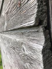 Abbruchholz von Fassade