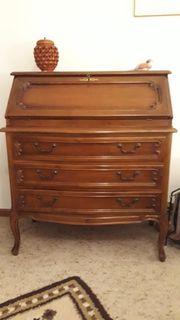 Möbel 1 Sekretär 1 Beistellkästchen