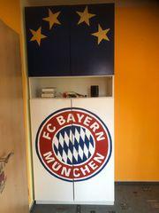 Schrank mit FC Bayern Logo