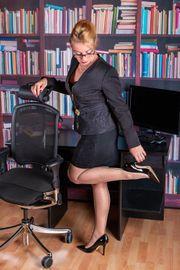 Die Sekretärin Annabelle