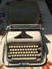 Schreibmaschine Adler Junior mit Koffer