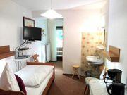Rustikales möbliertes 10qm Zimmer