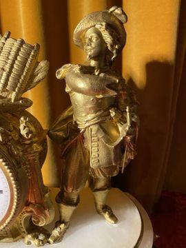 Antike Kaminuhr mit Glasdom und: Kleinanzeigen aus Kirchnüchel - Rubrik Uhren