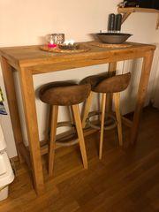 bartisch mit Barhocker