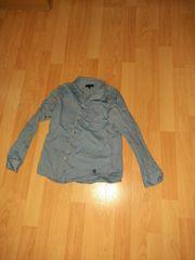 dünnes Langarmhemd in 134 getragen