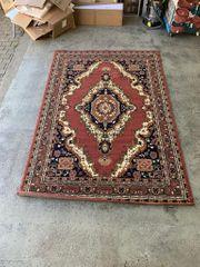 Zeitloser Teppich 280 cm x