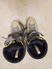 verschiedene Ski Schuhe