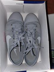 Nikeschuhe zu verkaufen