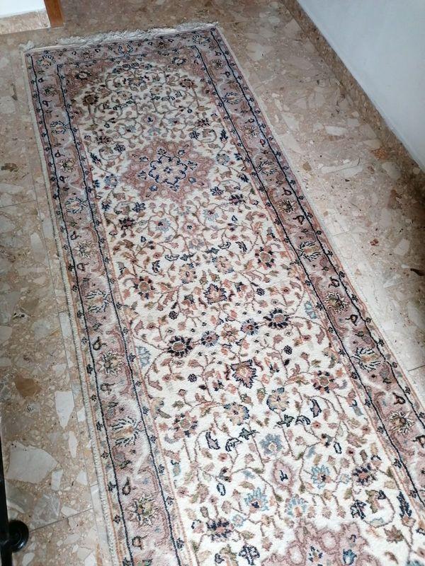 Schöner Teppich Läufer 402 x