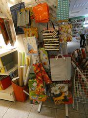 Präsentationsständer mit Lochrückwand - Verkauf Ladeneinrichtung