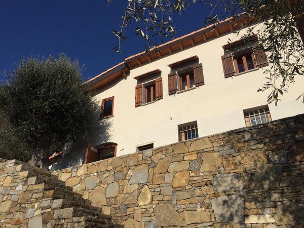 Süsses Steinhaus in Dolceacqua Ligurien