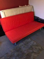 Couch mit Schlaffunktion Rot